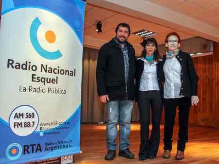 Francisco Peralta y las administrativas Sandra Sobieraj y Roxana Giorgìa